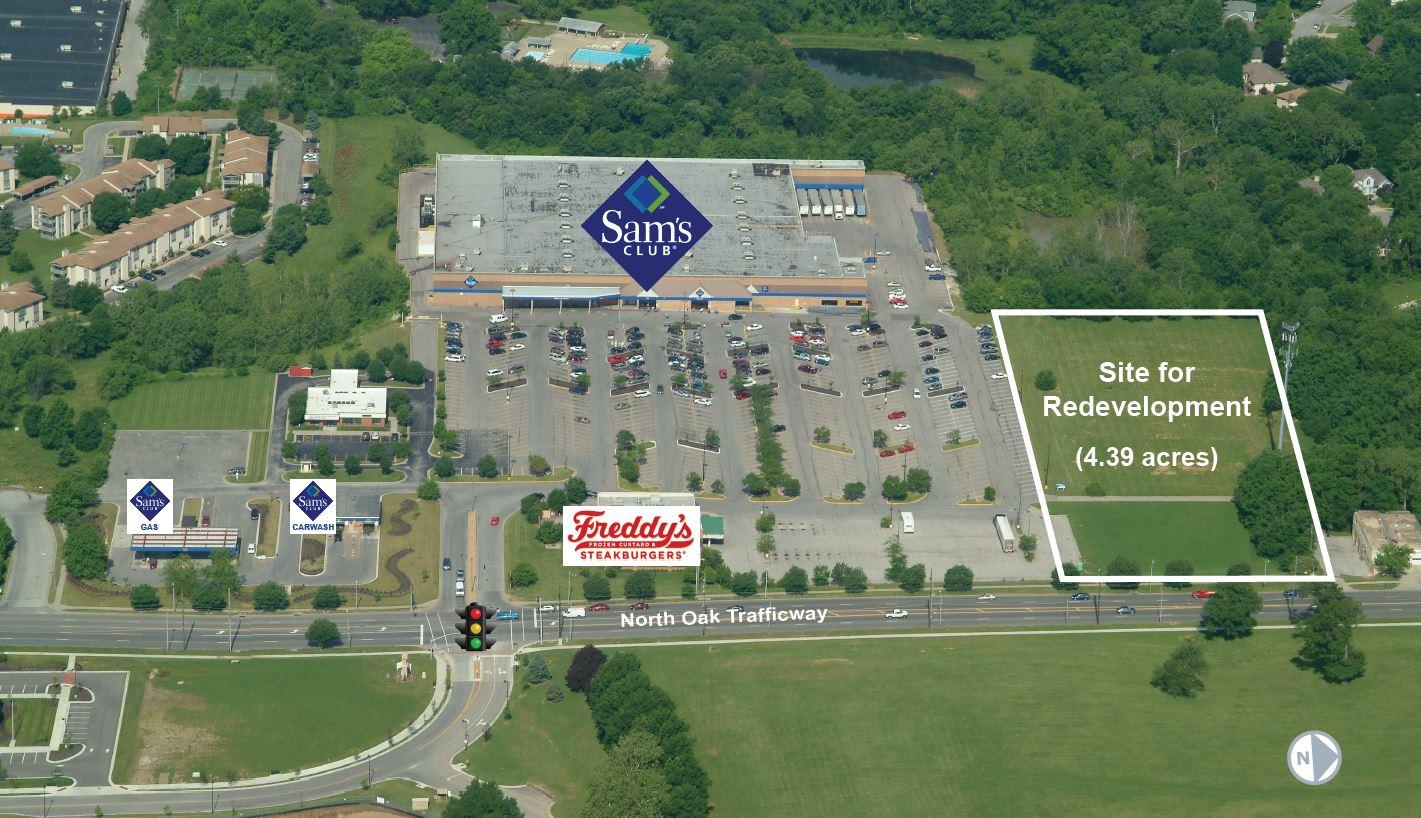 North Oak Shopping Center Aerial
